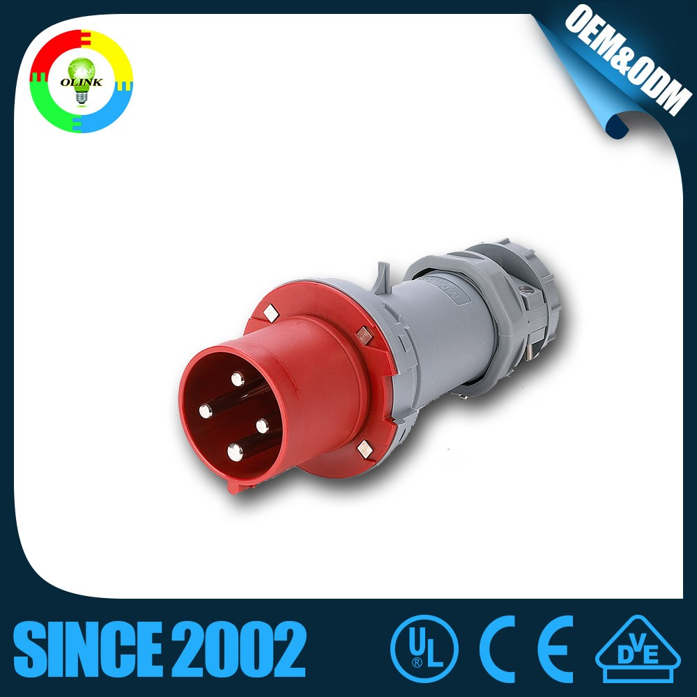 China Hotselling CEE International Standard Industrial Panel Mounted Plug