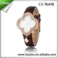 Wholesale Alibaba Four Leaf Clover Design Trendy Watches of Girls