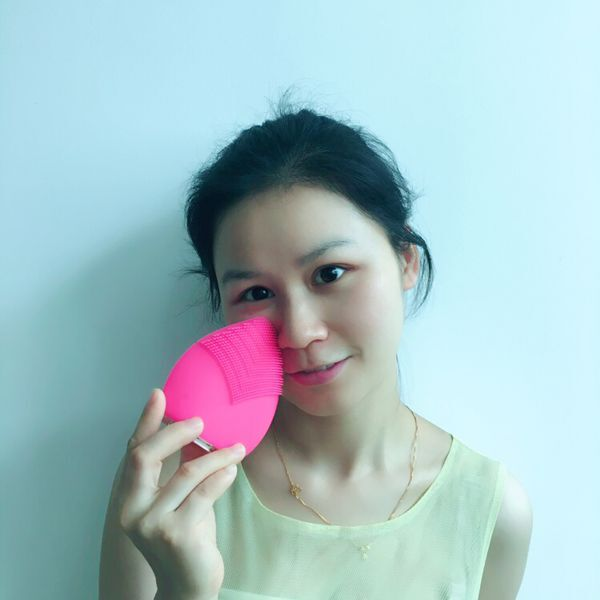 Silicone Facial Brush Face Cleansing Brush Wholesale Beauty Supply Distributors Products