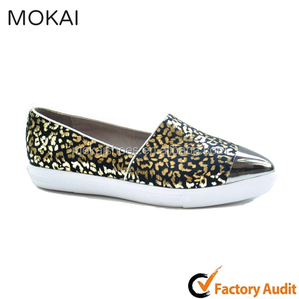 MK082-1 metal pointed toe shoes black and golden loafers fashionable