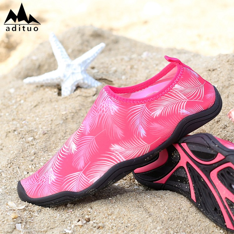 Made In China Custom Fashion Newest Rubber Aqua Skin Shoes Sports Soft Shoes