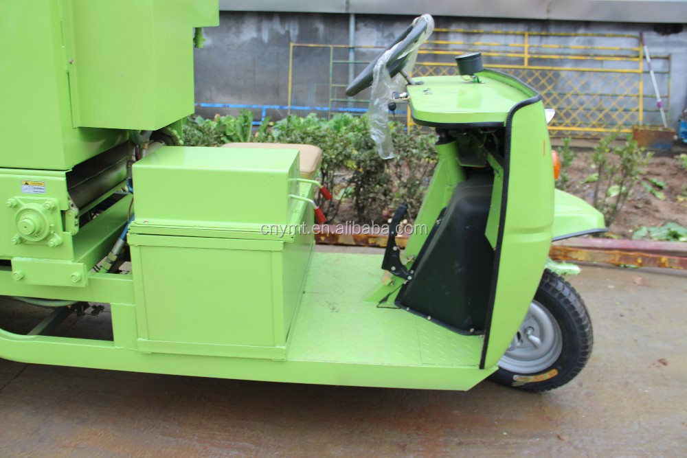 dairy farm feed spreader