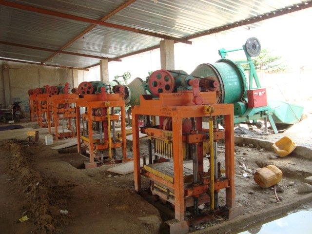 Machines de fabrication de parpaing machine de fabrication de briques id de produit 500000572832 - Machine de fabrication de couette ...