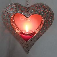 Metal heart shaped candle holder for home decoration