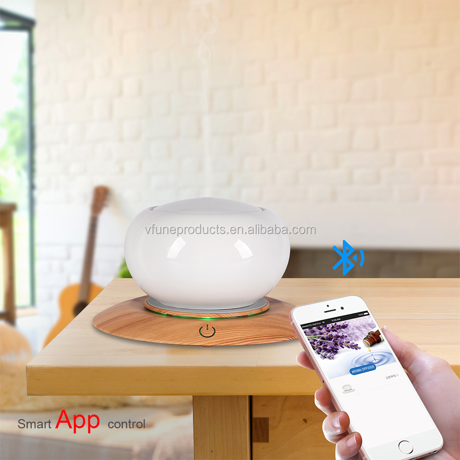 Portable Wireless Woody Aroma Diffusing Speaker Private Moulding 300ML Essential Oil Diffuser Speaker