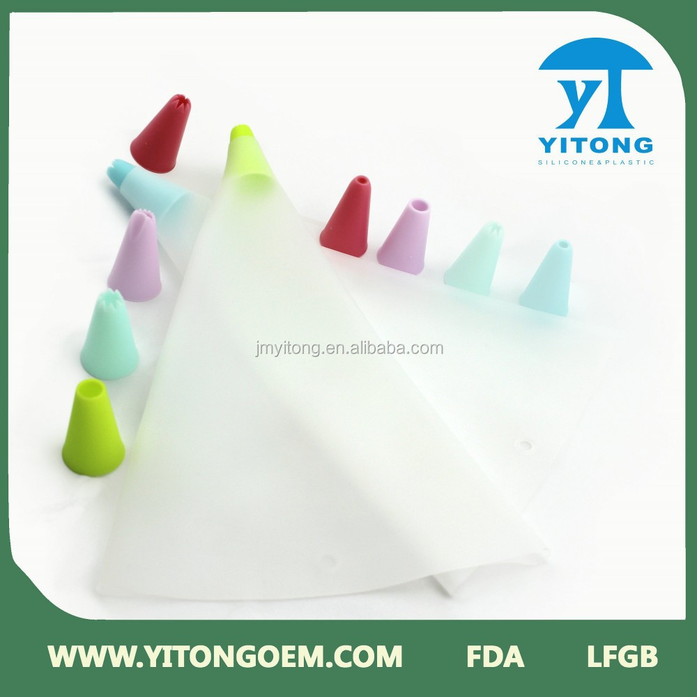 icing set with 5 pcs PP tips for cake decoration