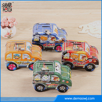 2016 Popular car shape small toys novelty food container cookie tin box
