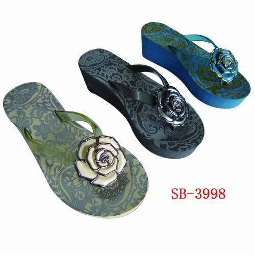 Lady eva high heel sandal with plastic rose flower