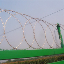 Anping electro/hot dipped galvanized concertina razor wire/razor barbed wire from factoryAnping Factory)