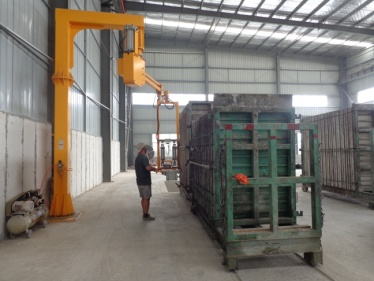 Unloading (EPS Cement Sandwich Panel, EPS Cement Solid Panel)