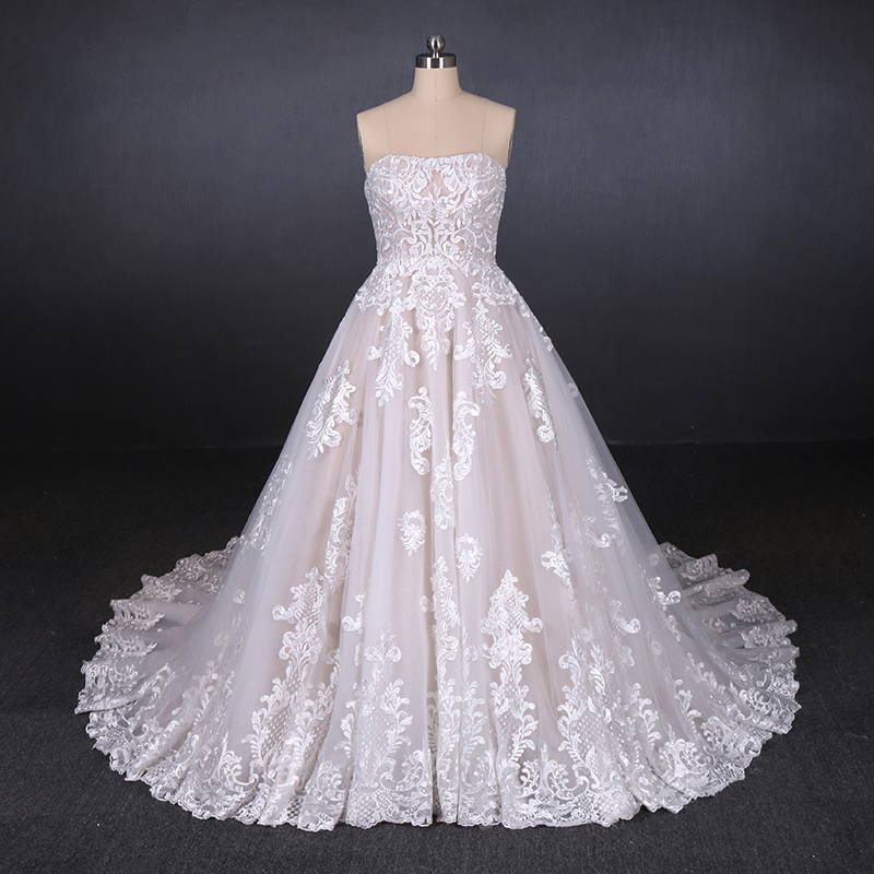 A-Line Sweetheart OEM Service Custom Made Appliqued Pure White Lace Wedding Dress