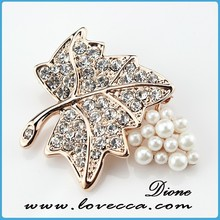 Leaf design with pearl pins for dresses,top grade brooches for party decor,rose gold brooch for lady bag