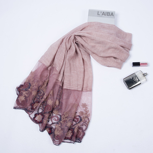 Factory direct fashion trend arab scarf women cotton flower hollow hijab muslim lace scarf
