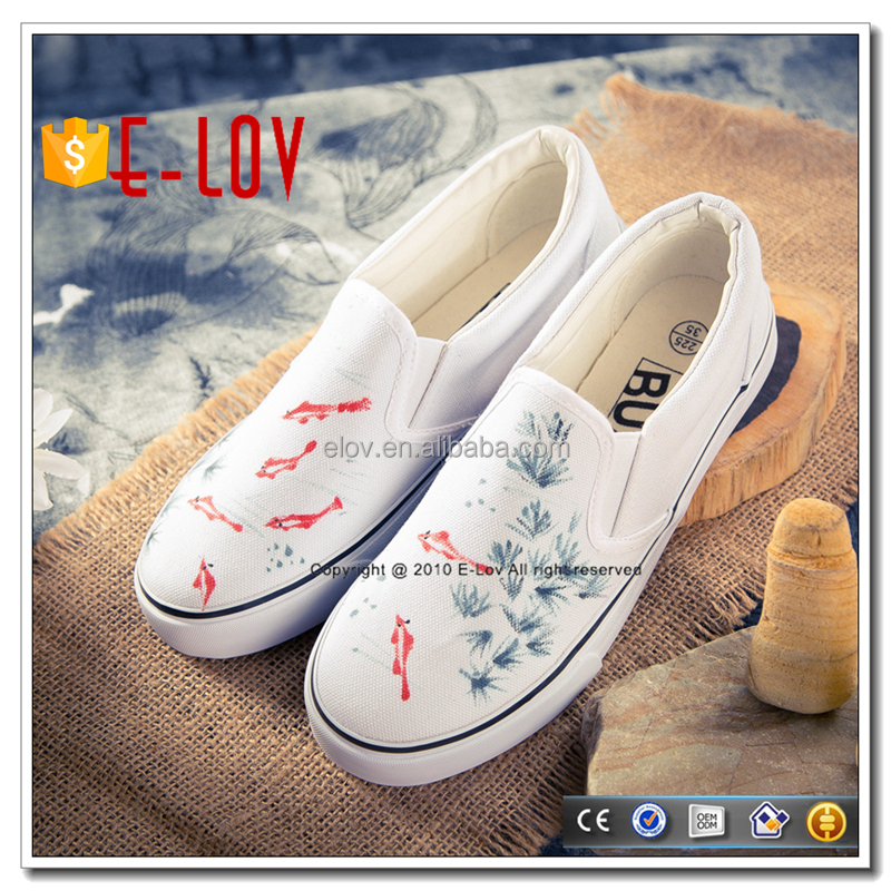 Factory price hand painted leisure flat ladies shoes in dubai