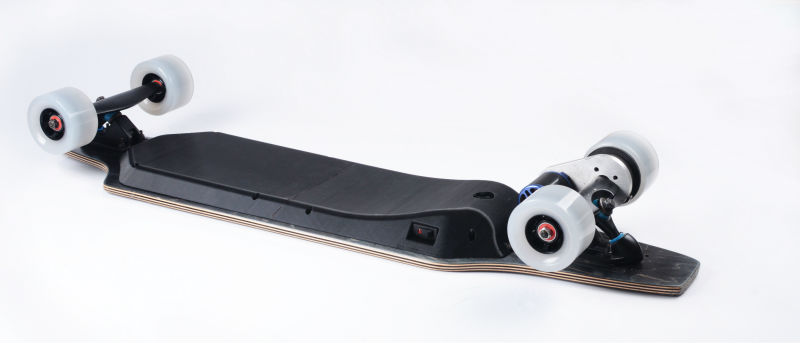 BACKFIRE wireless remote control electric skateboard 900w much ligher ,much thinner but ultra-long battery life