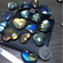 Love gifts natural stone labradorite crystal hearts shaped crystals for lovers