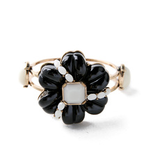 Bangles Wholesale Fashion Exaggreated Womne Flowers Channel Bracelet