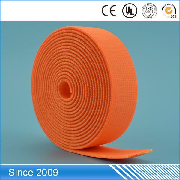 With thick synthetic material covers elastic polyester tape