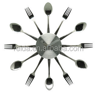 Removable fork and knife wall clock