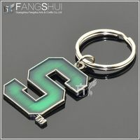 2013 new custom kirsite metal keychain/new product hot sell alphabet keychain