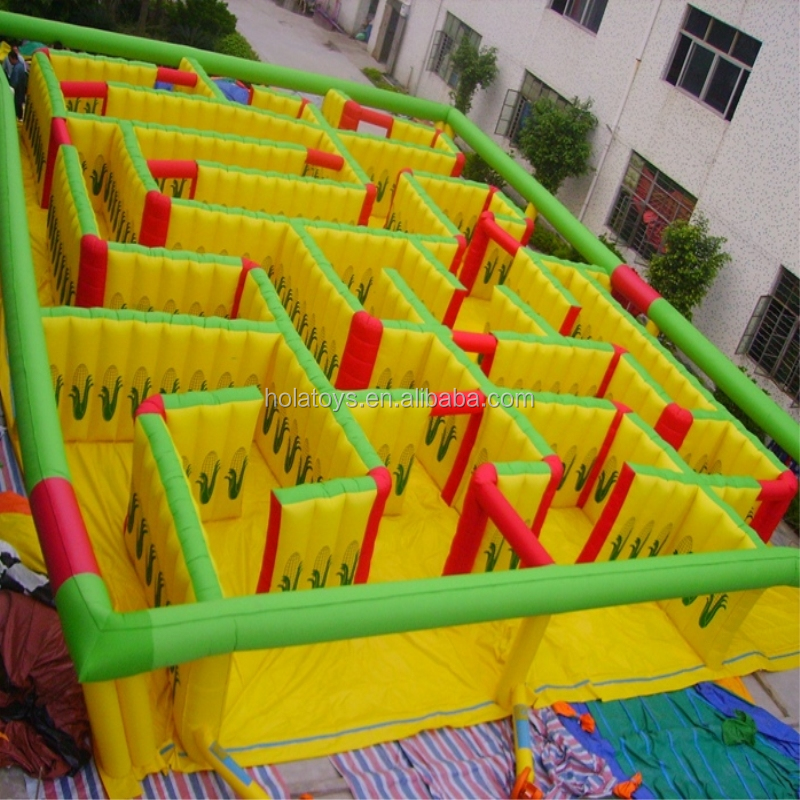 inflatable maze 03.jpg