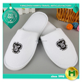 Dense Velvet Hotel Slippers / Superior Quality Low Price Velour Indoor Slippers / Custom Fancy Polyester Velvet Spa Slippers