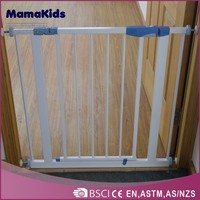 SO9001:2008 certificate metal fence/ pet friendly baby gate hot sale adjustable pet friendly gate
