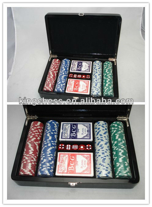 Professional casino poker set with wooden case