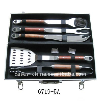 Portable aluminum case packing, 8pcs BBQ tools set with wooden handle