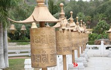 bronze prayer wheel statue Tibetan statues for temple