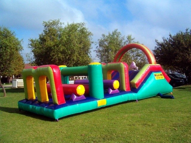 Giant Obstacle Jumping Castle