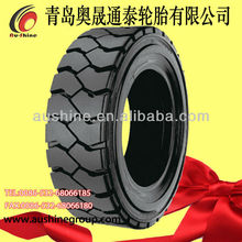 Standard industrial tyre with lug pattern