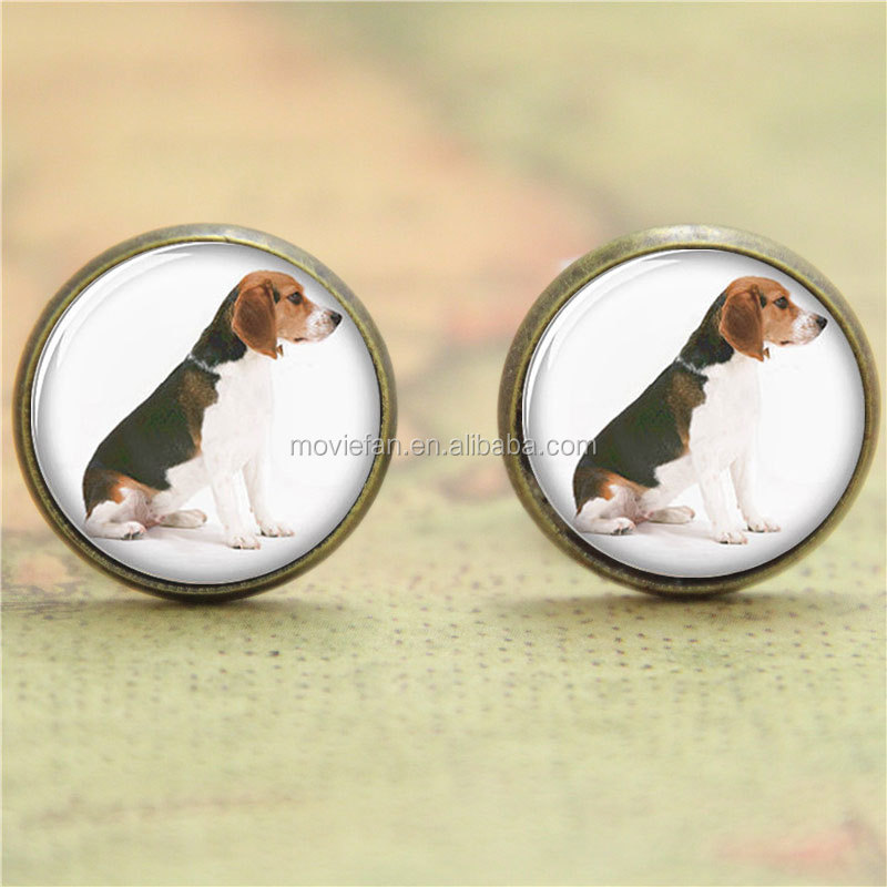 Beagle earrings , Sitting cute dog print Photo Dog earrings