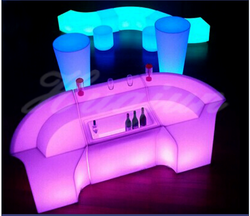 2018 hot selling outdoor commercial high top LED light cocktail bar table Led Furniture For Bar Set