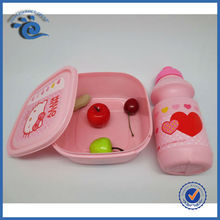 Children snack container with plastic bottle