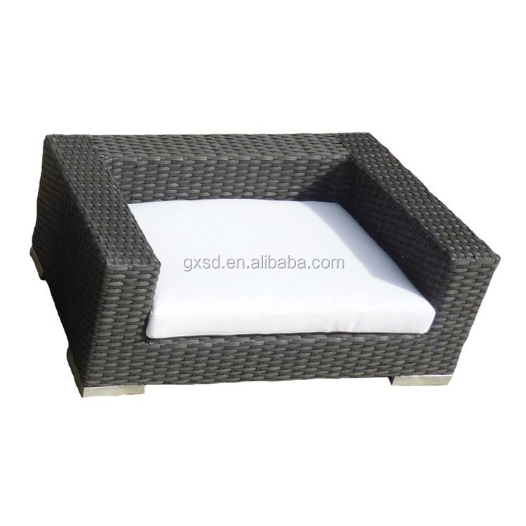 Top quality pet furniture all weather wicker waterproof large dog beds