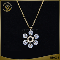 Wholesale latest design 18k gold flower shaped crystal charm pendant jewellery chain necklace for lady