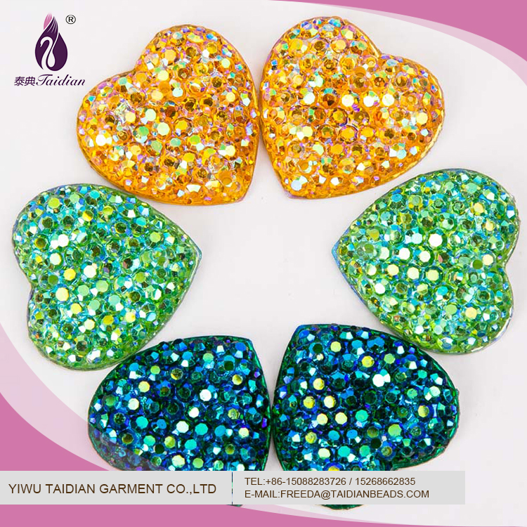 Wholesale Pretty Love Shape Glitter 18MM 0.8g AB Resin Rhinestone