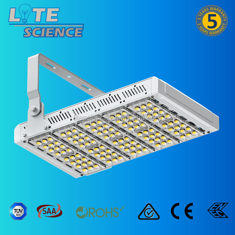 450W LED Flood Light for airport/stadium/parking/tennis court/sports yard IP67 Meanwell driver High efficacy