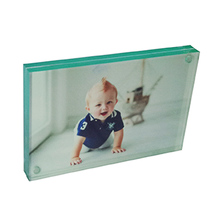 Wholesale Acrylic Photo Picture Frames Wall Mount
