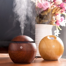 Factory Direct Supply 130ML Electric Ultrasonic Mini USB LED Car Aroma Essential Oil Diffuser