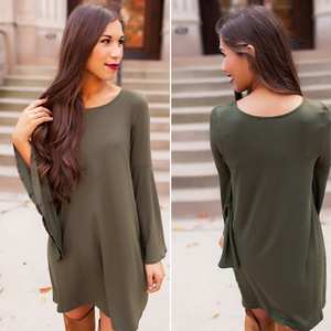 2017 European and American new round collar long sleeved dress eBay bursting trumpet sleeve buttocks dress in the long dress
