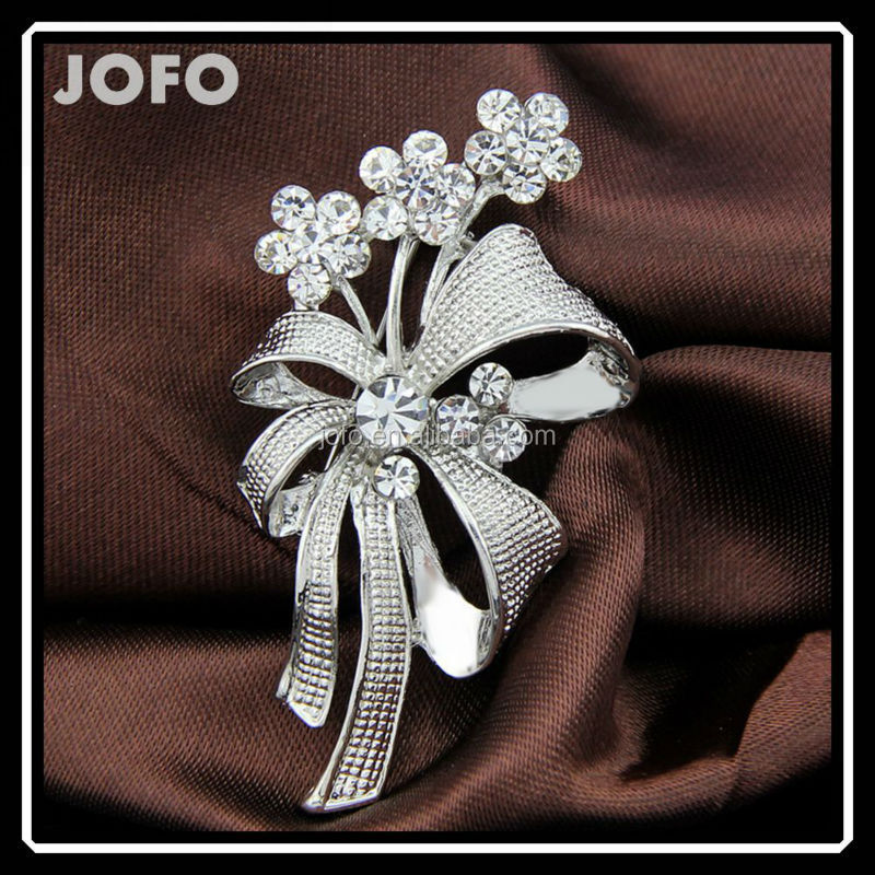 Handmade Gifts Antique Silver Crystal A Bunch Of Flowers Ladies Brooch Pins Jewelry DRJ0247