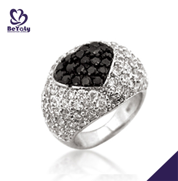 Fashion pave setting heart black cz rings thailand