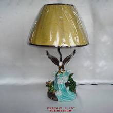 Fahion eagle shaped resin bed side table lamp with animals