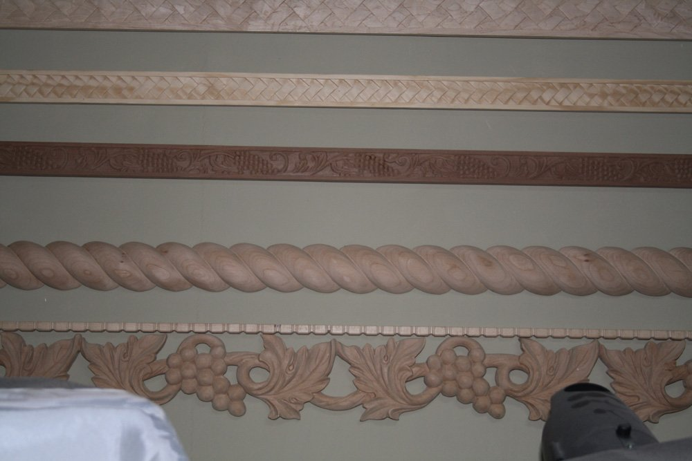 Beautiful solid wood hand carved decorative moulding skirting board