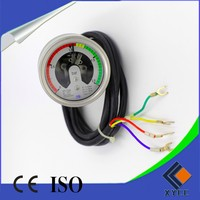 Temperature compensated bourdon tube SF6 pressure gauge