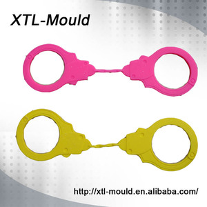 Other Educational Double Color Food Grade Silicone Handcuff Rubber Toy for Kids
