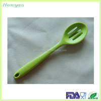 export worldwide countries slotted spoon silicone handle, wide draining spoon