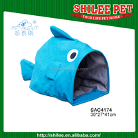 Lovely Fish shape Pet toy/cat tunnel with a ball